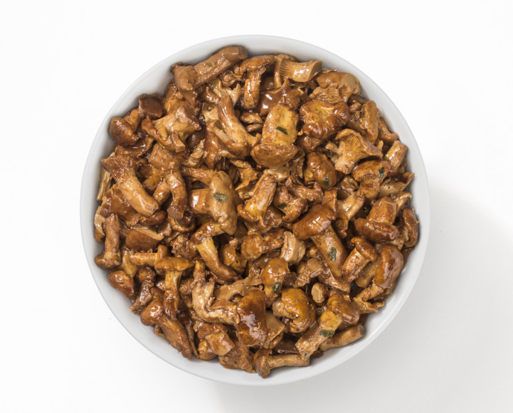 Solofungo Finferli Trifolati - Solofungo Chanterelle mushrooms prepared with oil, garlic and parsley