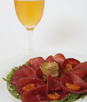 BLACK ANGUS BRESAOLA WITH YELLOW SEMI-DRIED DATE TOMATOES