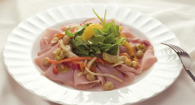 Carpaccio di marlin con ceci e armonia di verdure