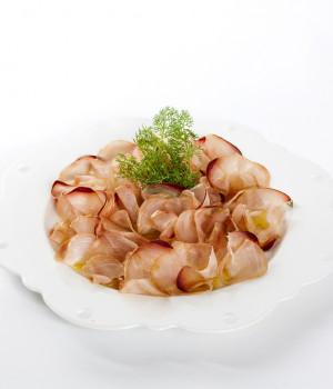 Carpaccio di marlin con finocchietto selvatico