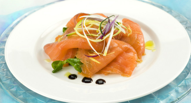Salmon carpaccio modenese style