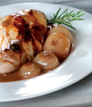 Coniglio con glassa all'aceto balsamico e cipolline caramellate