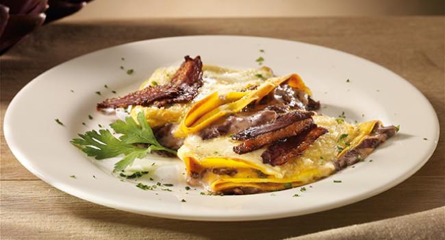 Crêpes with radicchio, fondue and crispy goose breast