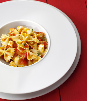 Farfalle pasta with pomosilico and mozzarella cheese