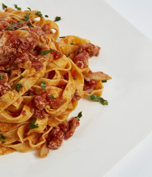 Fettucine with norcino ragù and mushrooms