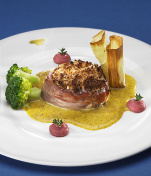 Beef fillet in walnut and thyme with truffled zabaglione, broccoli ad vitelotte mushed potatoes