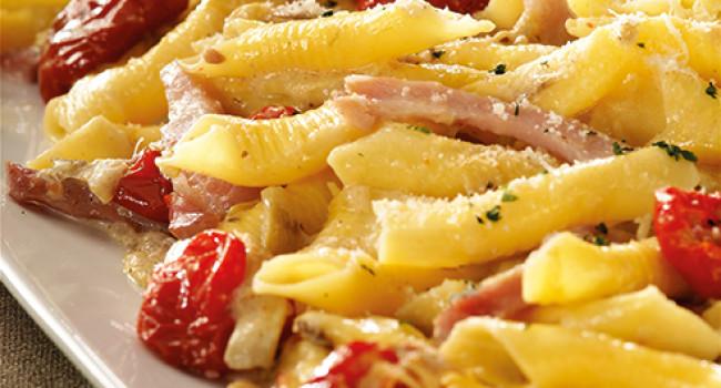 Garganelli with dorati tomatoes and artichokes artichokes