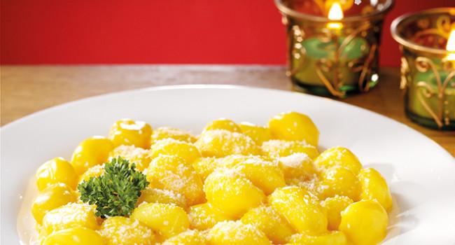 Gnocchi allo zafferano e crema di formaggio di fossa