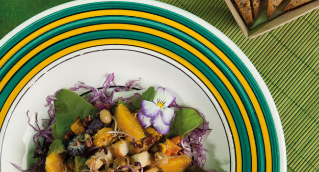 CITRUS SALAD WITH POD BEANSPROUTS