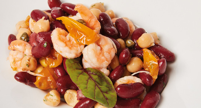 SALAD OF SHRIMP, RED KIDNEY BEANS AND YELLOW DATE TOMATOES