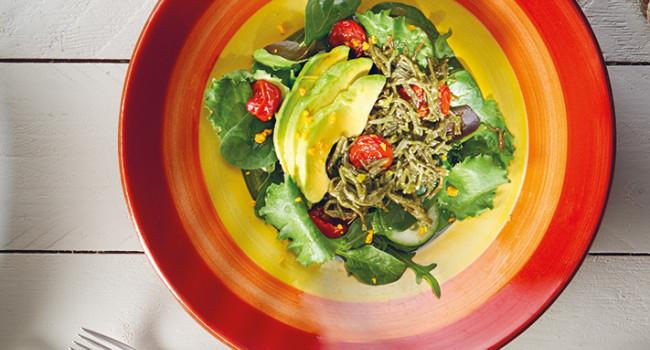 Insalata di salicornia, avocado e pomodorini