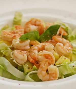 Exotic giant shrimp salad