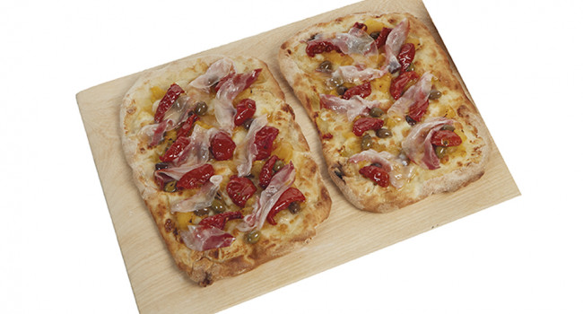 Pala con soleggiati, olive e lardo pancettato