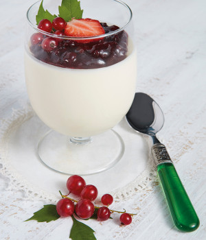 PANNA COTTA IN A GLASS WITH STRAWBERRY SAUCE