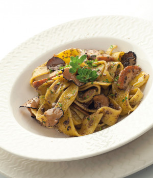 Pappardelle pasta with porcini mushrooms and truffle