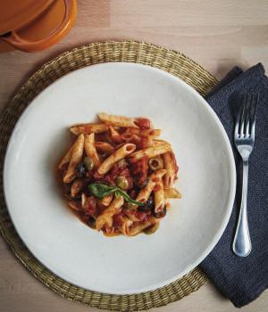 Penne pasta with zingara sauce