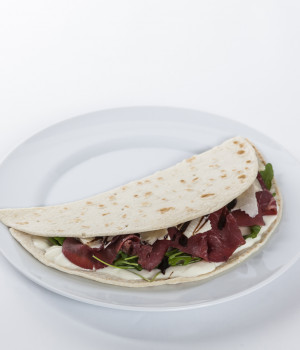 Piadina with smoked veal topside and Parmigiano Reggiano spread
