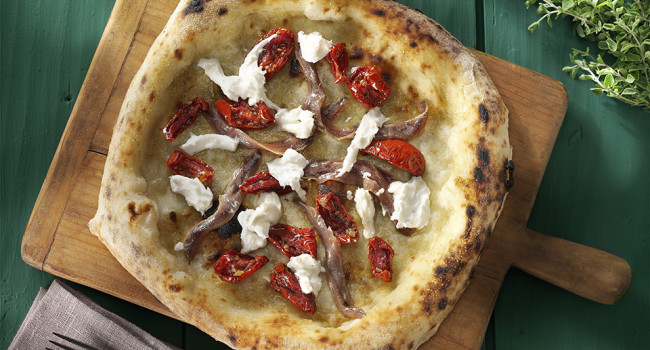 PIZZA WITH CANTABRIAN ANCHOVIES