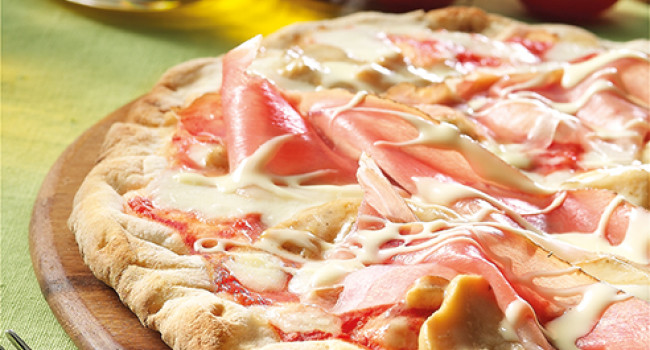 Pizza ai porcini e fonduta