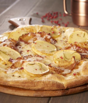 PIZZA WITH POTATOES, JOWL BACON AND PECORINO CHEESE