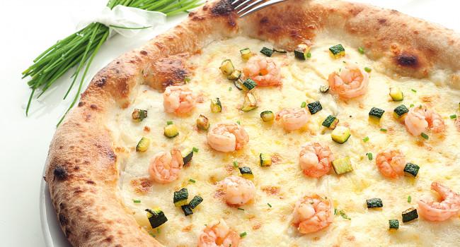 Pizza con zucchine e mazzancolle