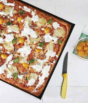 YELLOW DATTERINI TOMATOES PIZZA IN PAN