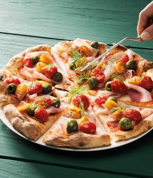 PIZZA MARLIN, OLIVE,  DATTERINI E DORATI