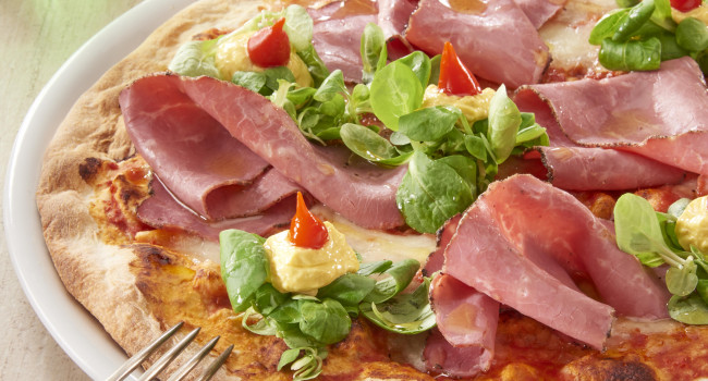 PIZZA  WITH PASTRAMI, MANGO CURRY GINGER SAUCE AND SWETT RED PEPPERS