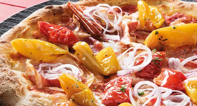 PIZZA PEPERONI E CIPOLLA TROPEA