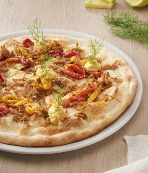 PIZZA DE PULLED TURKEY, PIMIENTOS A LA BRASA Y SALSA GUACAMOLE