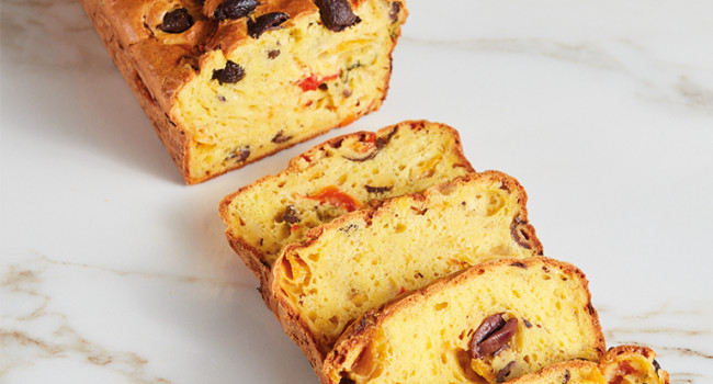 Plum cake with peppers, olives and Pecorino