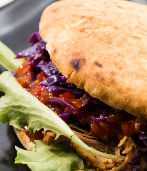 PUCCIA FROM SALENTO WITH RED CABBAGE AND PULLED PORK