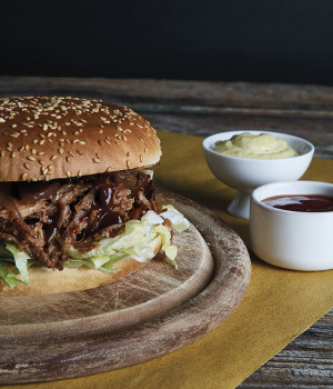 Pulled pork burger