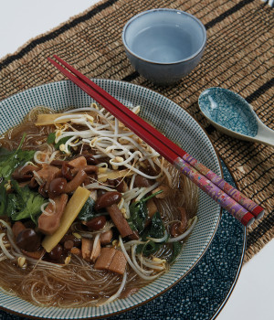 Mushroom ramen with sprouts and ginger