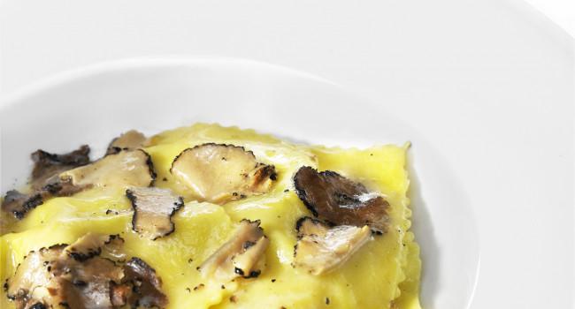Ravioli di zucca, pere e zenzero, al tartufo