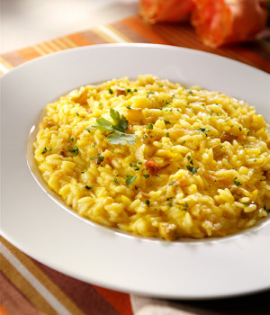 Risotto with asparagus, pancetta and saffron