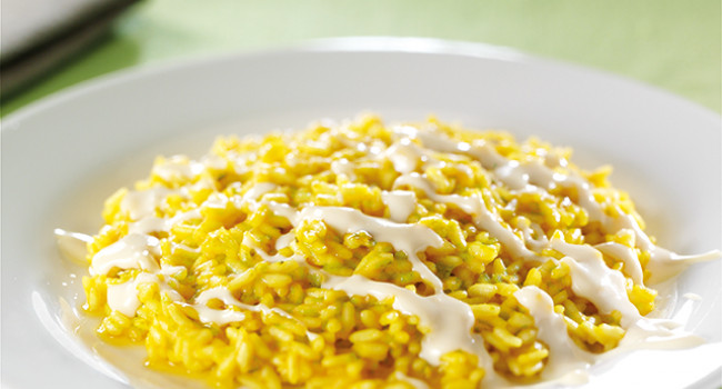 Risotto with saffron, asparagus and pecorino cheese