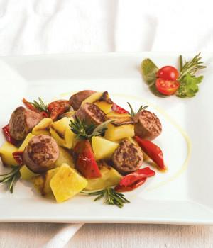Salsiccia patate e peperoni arricciati