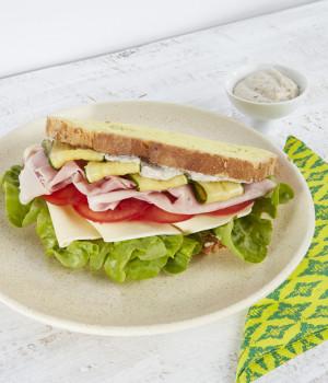 Sandwich prosciutto cotto, brie e Crema di funghi prataioli al tartufo