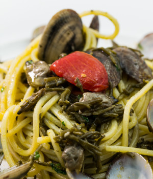 SPAGHETTI ALLA CHITARRA WITH CLAMS AND SAMPHIRE