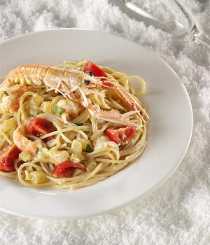 Spaghetti con Scampi e Pesto di agrumi