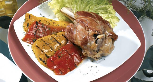 Stinco di maiale con verdure grigliate