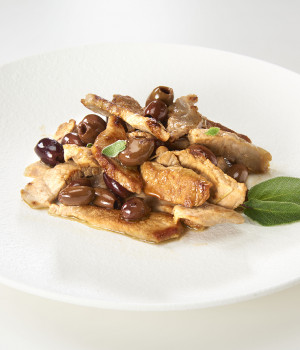 CHICKEN STRACCETTI WITH LECCINO OLIVES