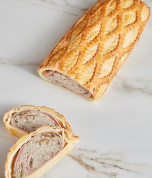 Champignonstrudel   mit Trüffelcreme  und Provola-Käse