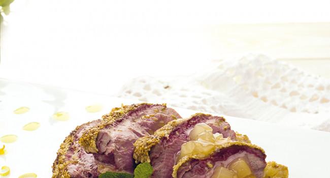 Tagliata di anatra al sesamo con salsa di pere e zenzero