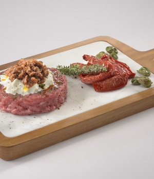 BEEF TARTARE WITH BURRATA AND SALSADORO VEGETABLE SAUCE