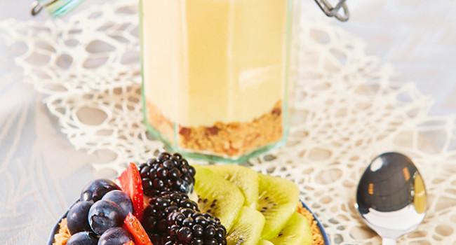 Tartellette e vasetti frutta e crema