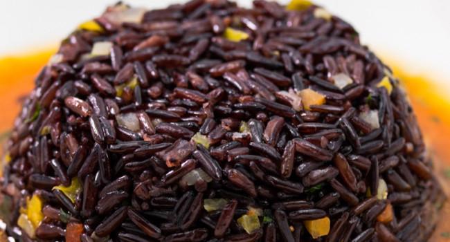 Timballo di riso Venere su bisque  di crostacei