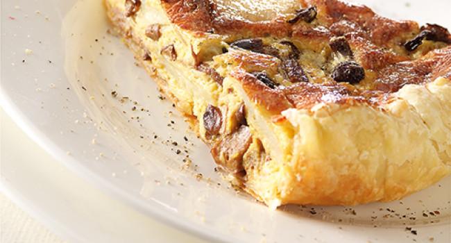 Torta salata con funghi, patate e pecorino