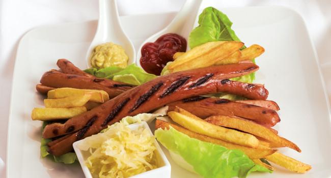 Wurstel con patatine e crauti